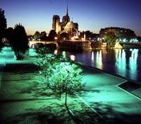 Viajes a París: vista de noche de París
