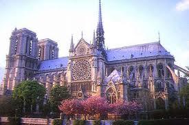 Uno de los laterales de Notre-Dame